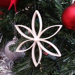 Download free 3D printer designs  Christmas Flower with Center Ball, Endless3D