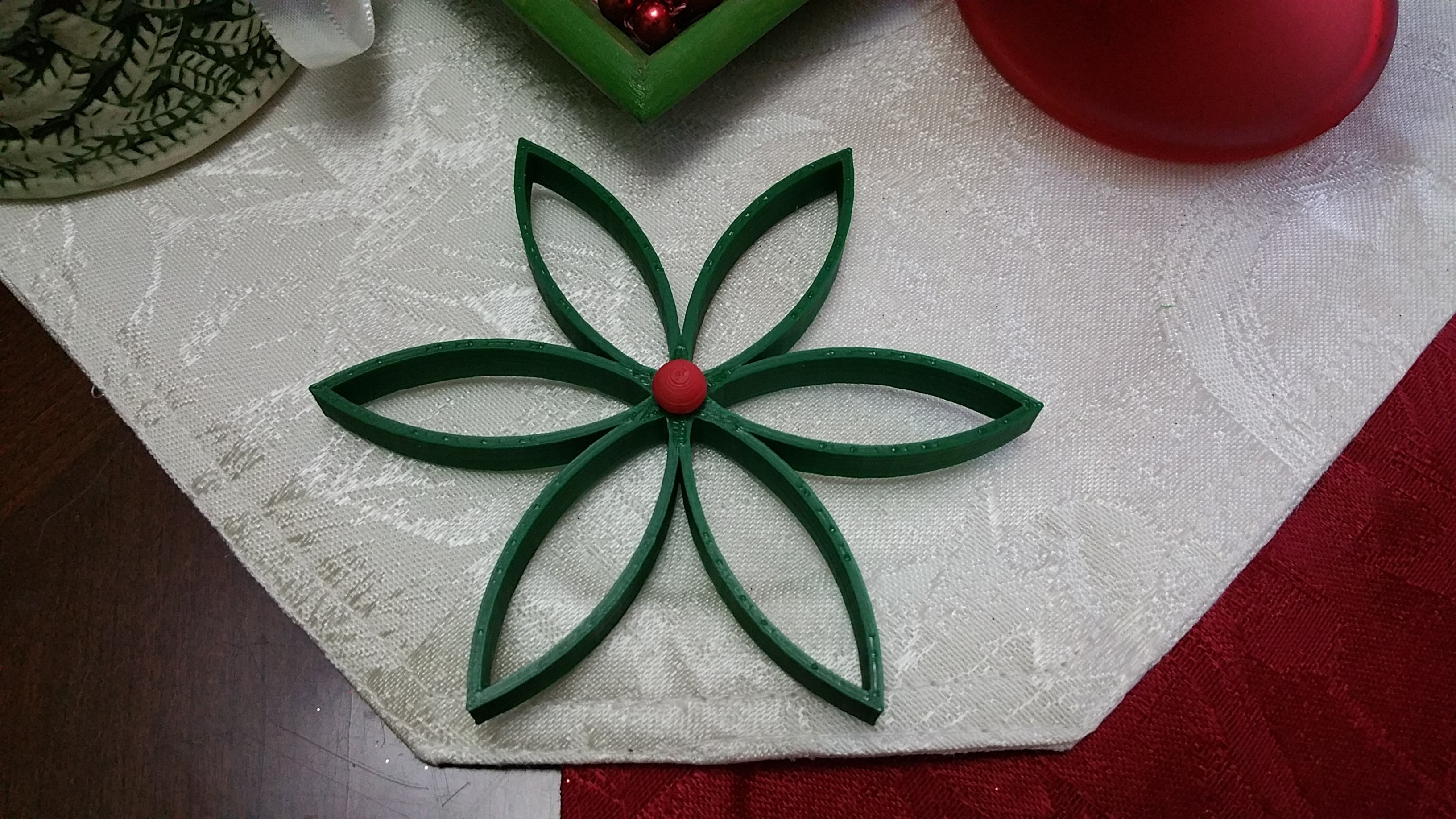 20161222_185818.jpg Download free STL file Christmas Flower with Seperated Center Ball • 3D printing model, Endless3D
