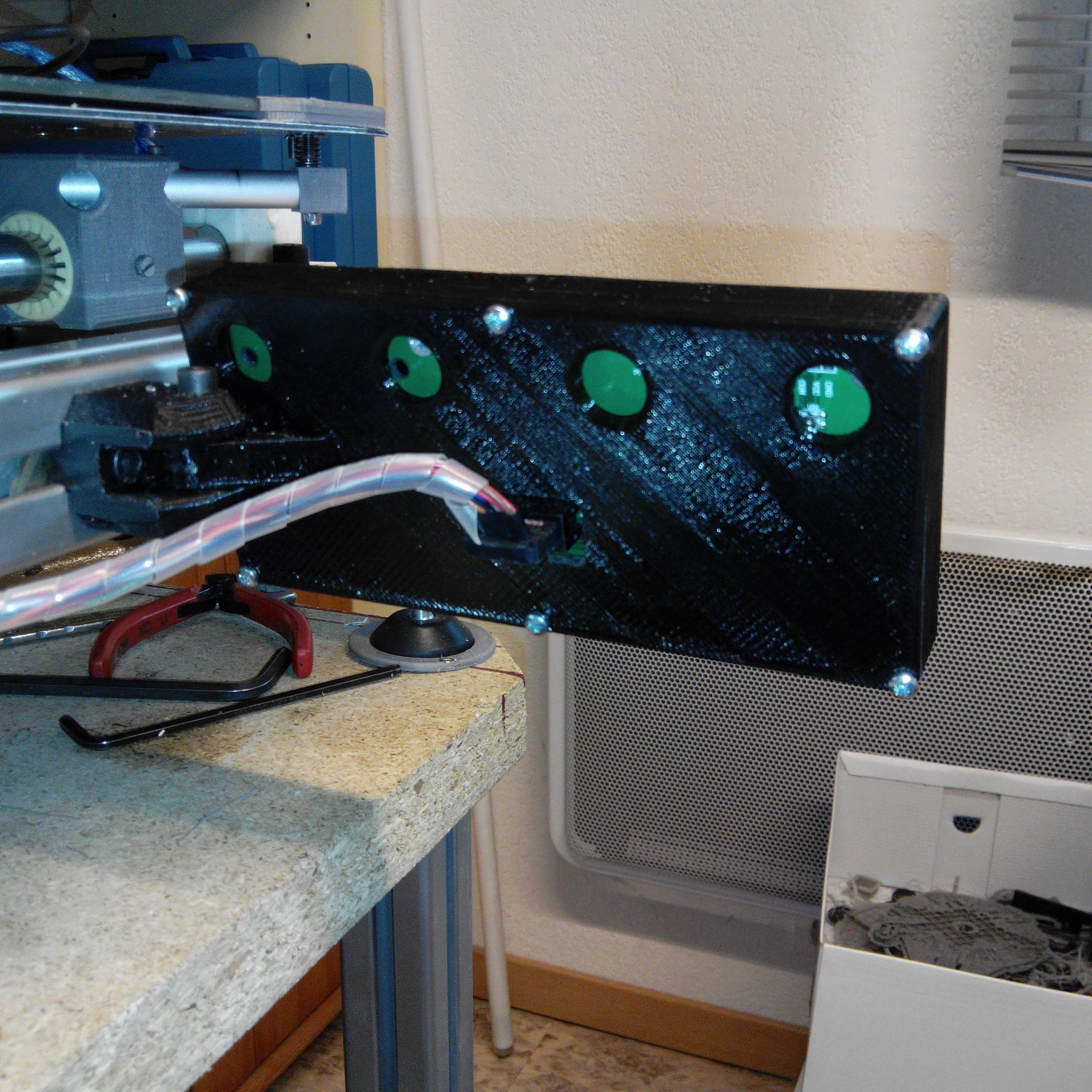 boitier face ARRIERE.JPG Download free STL file Display case Prusa I3 • 3D printer model, Alienmaker