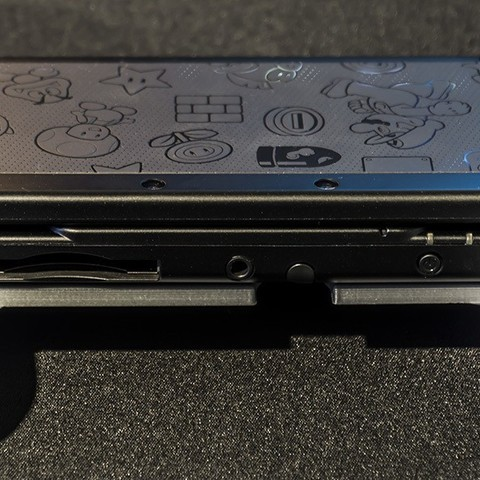 DSC06123.jpg Download STL file Nintendo New 3DS (N3DS) grip • Template to 3D print, RajenK