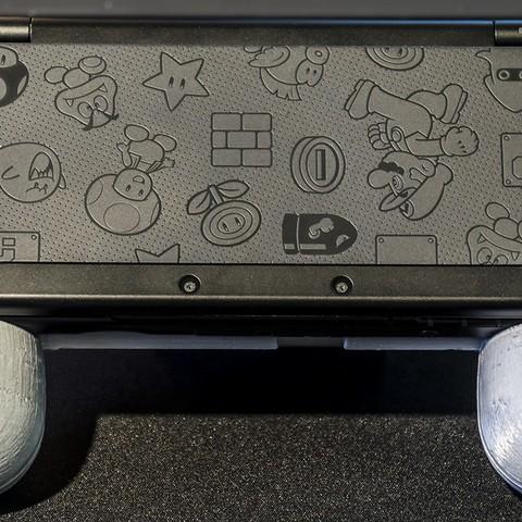 DSC06130.jpg Download STL file Nintendo New 3DS (N3DS) grip • Template to 3D print, RajenK