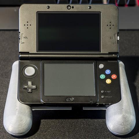 DSC06132.jpg Download STL file Nintendo New 3DS (N3DS) grip • Template to 3D print, RajenK