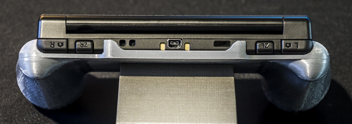 DSC06128.jpg Download STL file Nintendo New 3DS (N3DS) grip • Template to 3D print, RajenK
