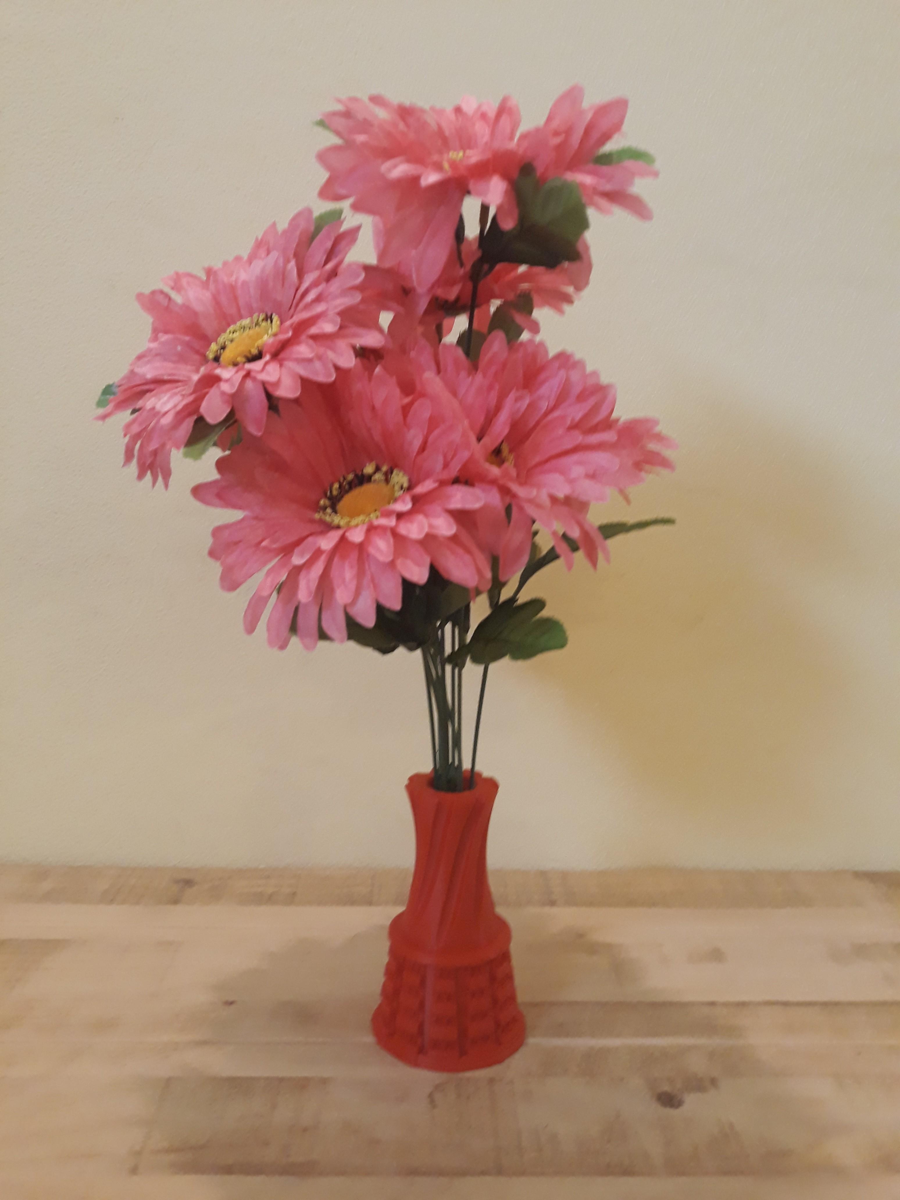 20180824_143144.jpg Download STL file Decorative Urban Vaze • Model to 3D print, Zuk