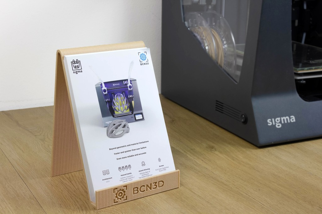 2a7b4fffdc9b8ebc11c0cbe13d061d95_display_large.jpg Télécharger fichier STL gratuit Porte-brochures • Design pour impression 3D, BCN3D