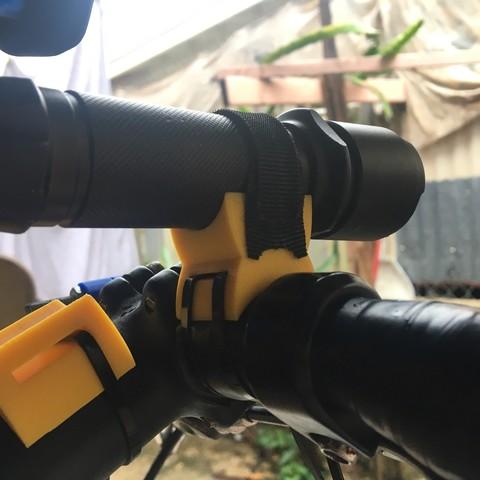 Fichier 3D gratuit Support de lampe de poche vélo, 3Dsolio