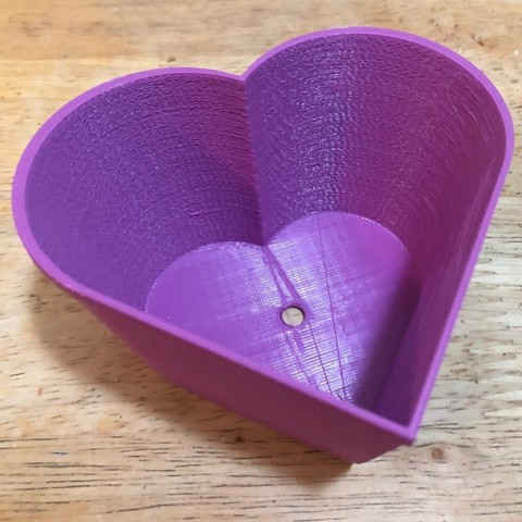 Free STL Customizable Tapered Heart Planter, Lucina