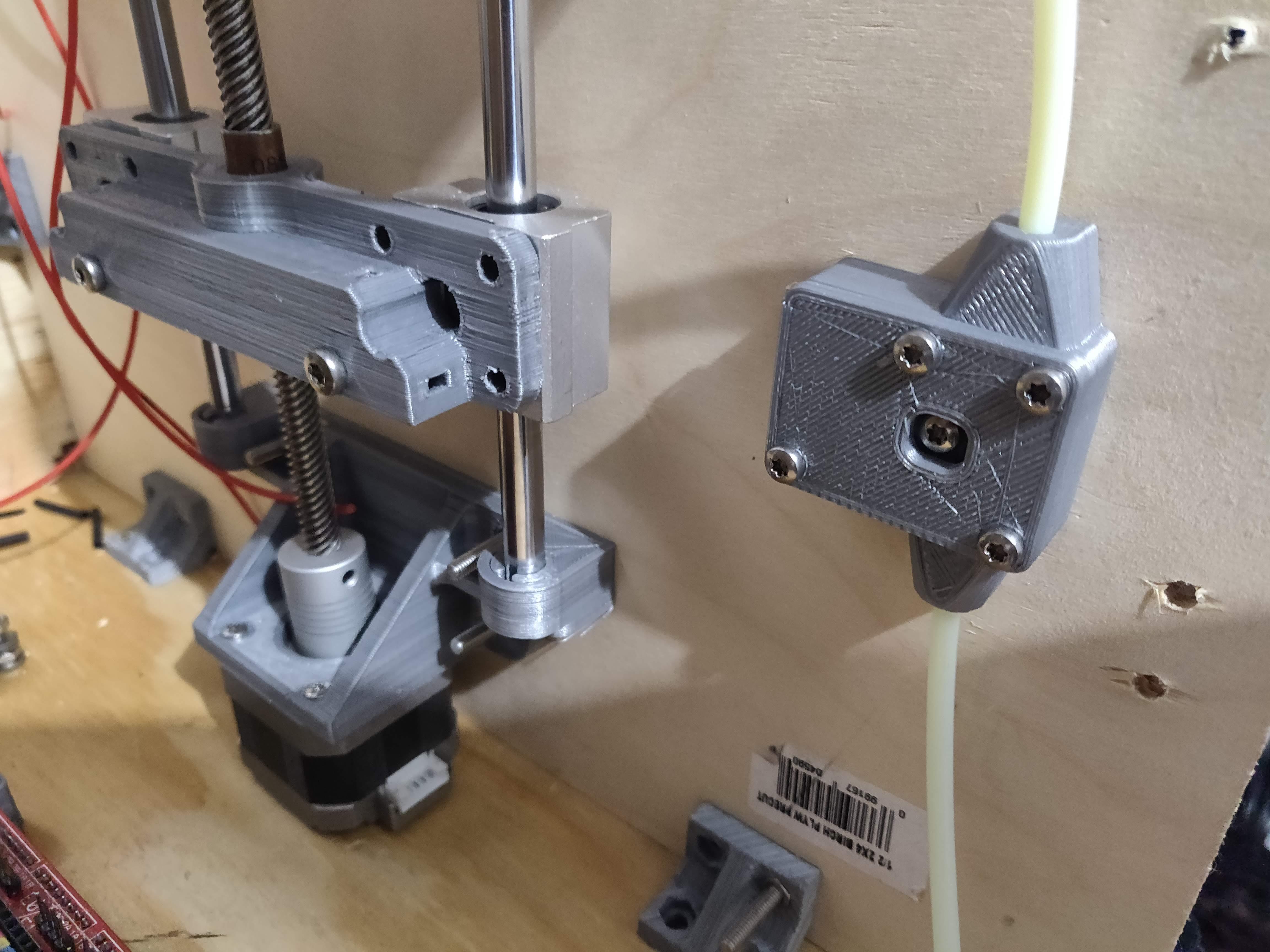 IMG_20190102_192942.jpg Télécharger fichier STL gratuit Capteur de faux-rond du filament (roulement à billes) • Design pour impression 3D, KrisCubed