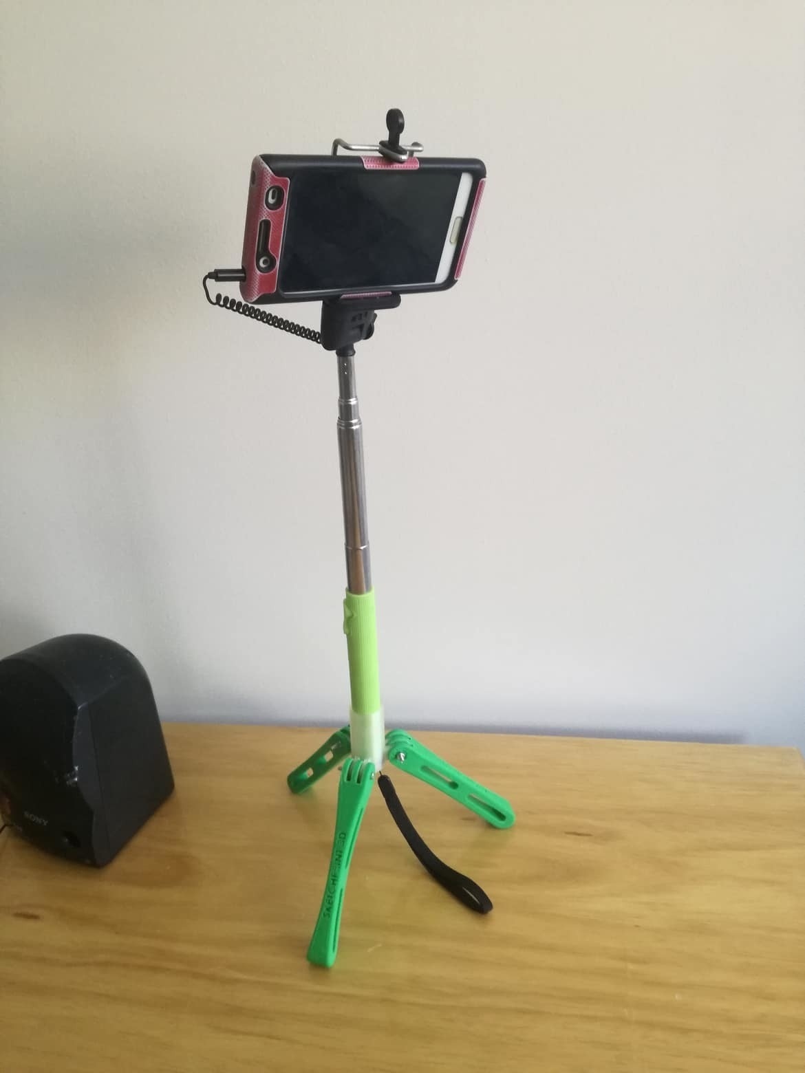38751348_244986662822449_4939965469965680640_n.jpg Download free STL file Tripod - selfie stick • 3D printer model, sketchprint3d