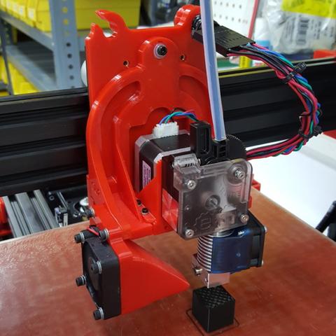 Capture d'écran 2017-04-12 à 12.16.03.png Download free STL file TAZ5 E3D Titan Mount Remixed with stronger back and heat insert holes • 3D printing design, crprinting