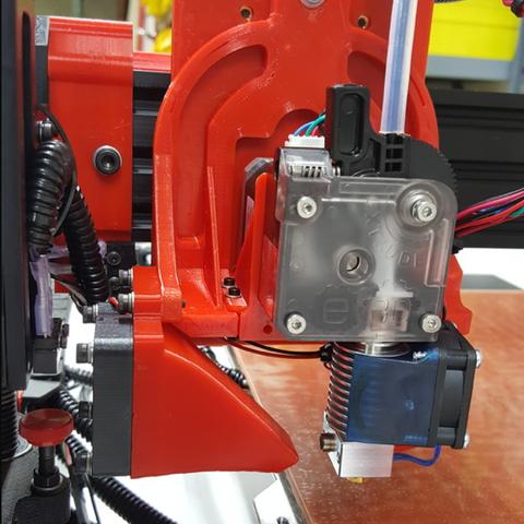 Capture d'écran 2017-04-12 à 12.16.08.png Download free STL file TAZ5 E3D Titan Mount Remixed with stronger back and heat insert holes • 3D printing design, crprinting