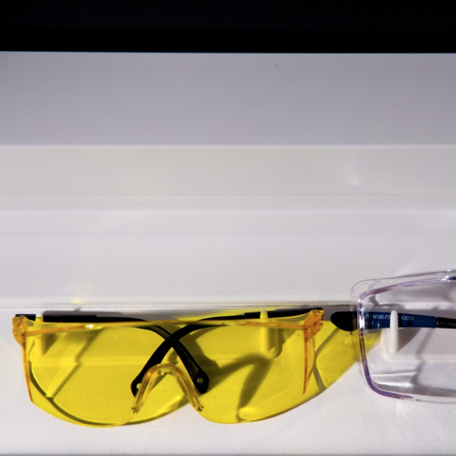 Capture d'écran 2017-01-04 à 20.14.44.png Download free STL file Safety Goggles Holder • 3D printing model, Greystone
