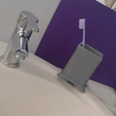 Objet 3D gratuit   Porte brosses à dents design démontable  #DAGOMERLIN, als
