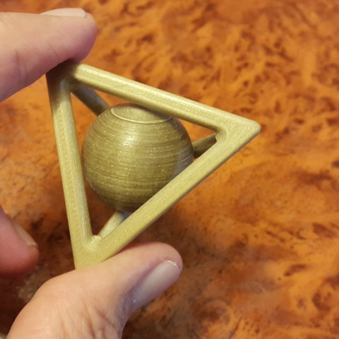 20161013_153227.jpg Download free STL file Tetrahedron and captive sphere. • 3D printer object, NOP21