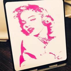49484244_10215897959819995_1265955582024613888_n.jpg Download free STL file Marilyn Munroe Portrait Frame • 3D printing model, lilredji
