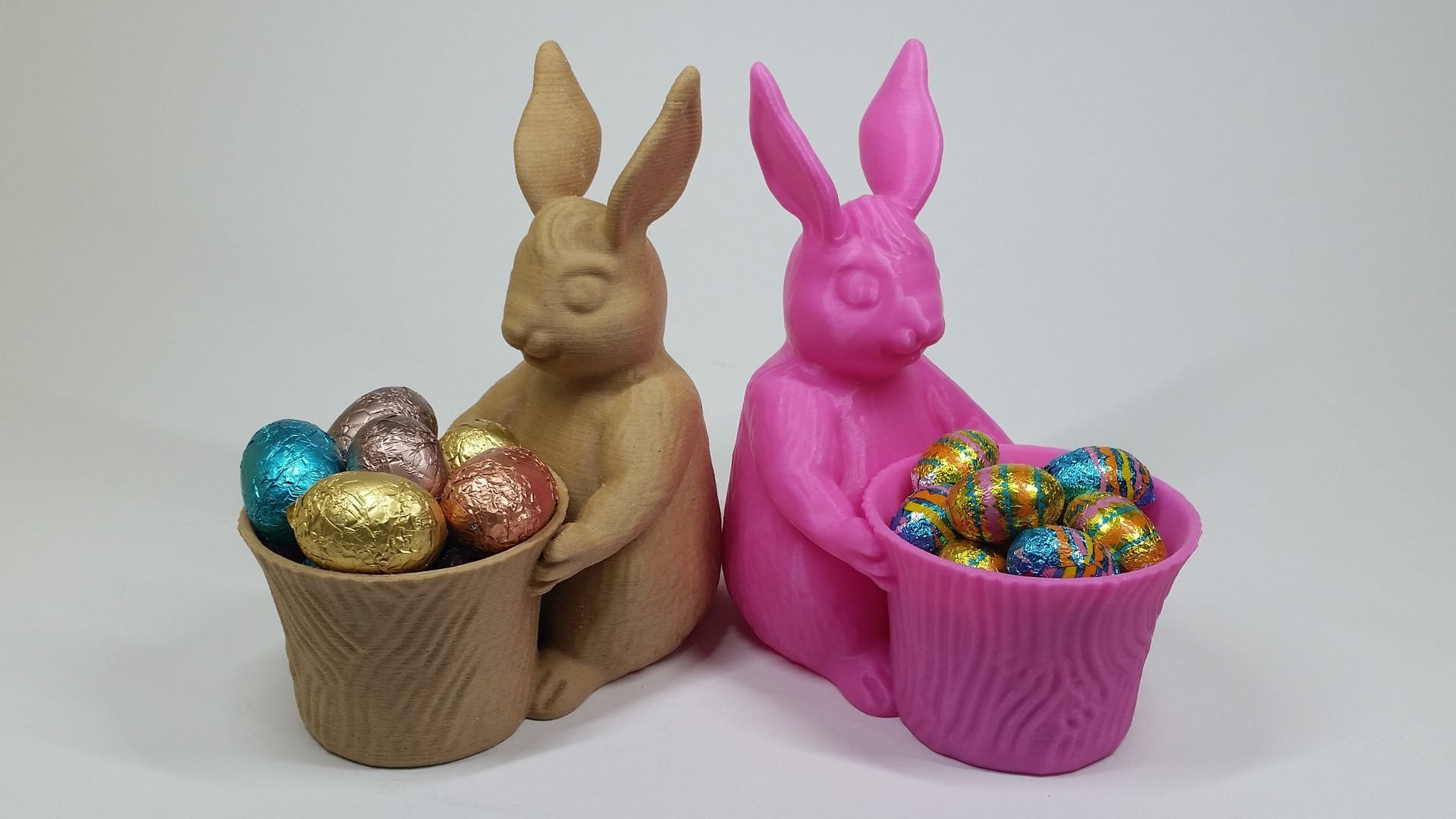 3D Designed in ZBrush - Easter Bunny Themed Pot - YouTube.jpg Télécharger fichier STL gratuit Jouet/pot/plante de Pâques • Plan pour impression 3D, MaxFunkner