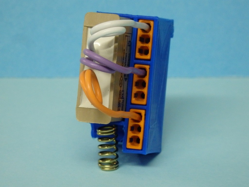 b196e3d5924bdd956e5da00ab509211d_display_large.JPG Download free STL file DIN support for built-in YOKIS module / Support DIN pour module YOKIS encastrable • 3D printing model, Boxplyer