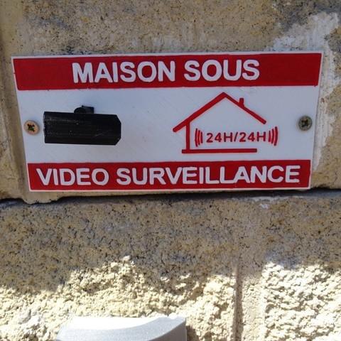 DSC07945.JPG Download free STL file Video Surveillance Panel • Model to 3D print, LaWouattebete