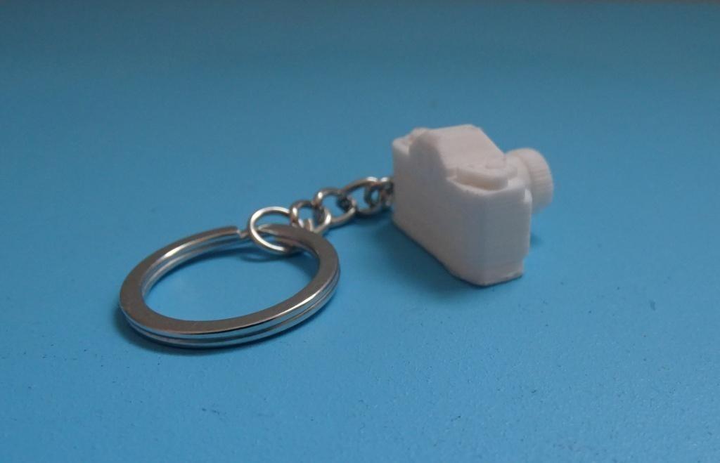 Camera Keychain2.JPG Download free STL file Camera key holder _ Camera Keychain • Model to 3D print, LaWouattebete