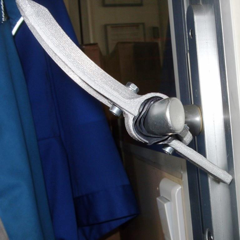 Long Hand Door_1.JPG Download free STL file Door handle adapter • 3D print design, LaWouattebete