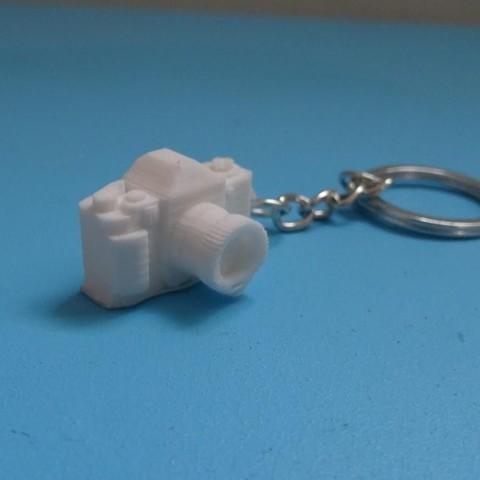 Camera Keychain.JPG Download free STL file Camera key holder _ Camera Keychain • Model to 3D print, LaWouattebete