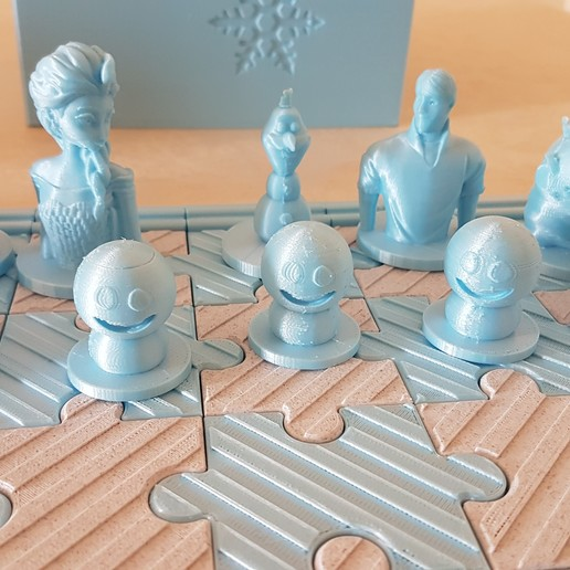2018-07-15_11.42.41.jpg Download free STL file Frozen chess • Template to 3D print, lolo_aguirre