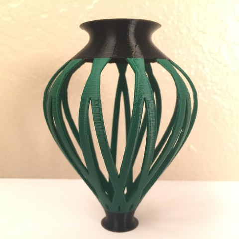 Free 3D file Entwined Vase (Potential Multi-Color), jayrodkoji