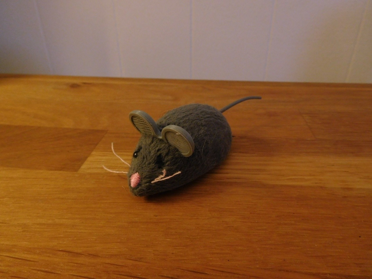 DSCN0798.JPG Download free STL file Hex Bug Mouse Cat Toy replacement ears. • Design to 3D print, tahustvedt