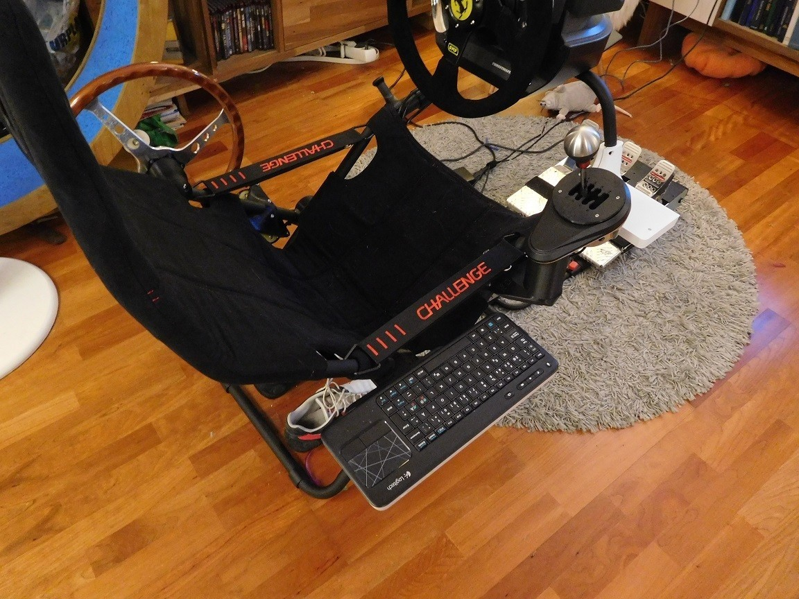 DSCN1617[1].jpg Download free STL file Tray for Playseat Challenge which uses the TH8 mount • 3D printable design, tahustvedt