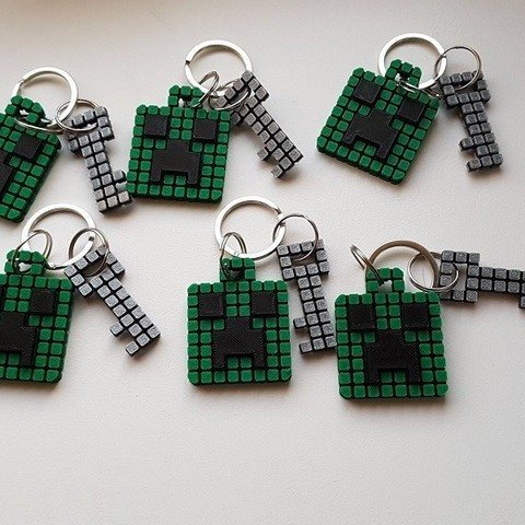 Keychain 5.jpg Download free STL file Minecraft Creeper Keychain (single extruder) • 3D printing object, Bishop