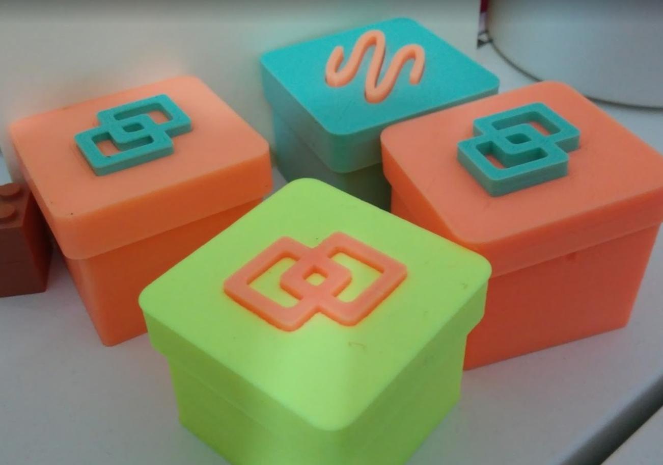 Capture d'écran 2016-12-23 à 10.24.42.png Télécharger fichier STL gratuit small boxes with coloured insert • Plan pour impression 3D, cyrus