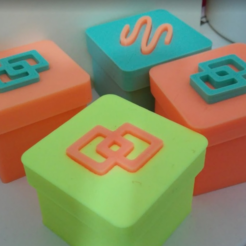 Download free 3D printing files small boxes with coloured insert, cyrus