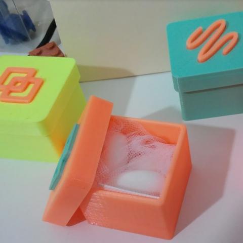 Capture d'écran 2016-12-23 à 10.24.51.png Télécharger fichier STL gratuit small boxes with coloured insert • Plan pour impression 3D, cyrus