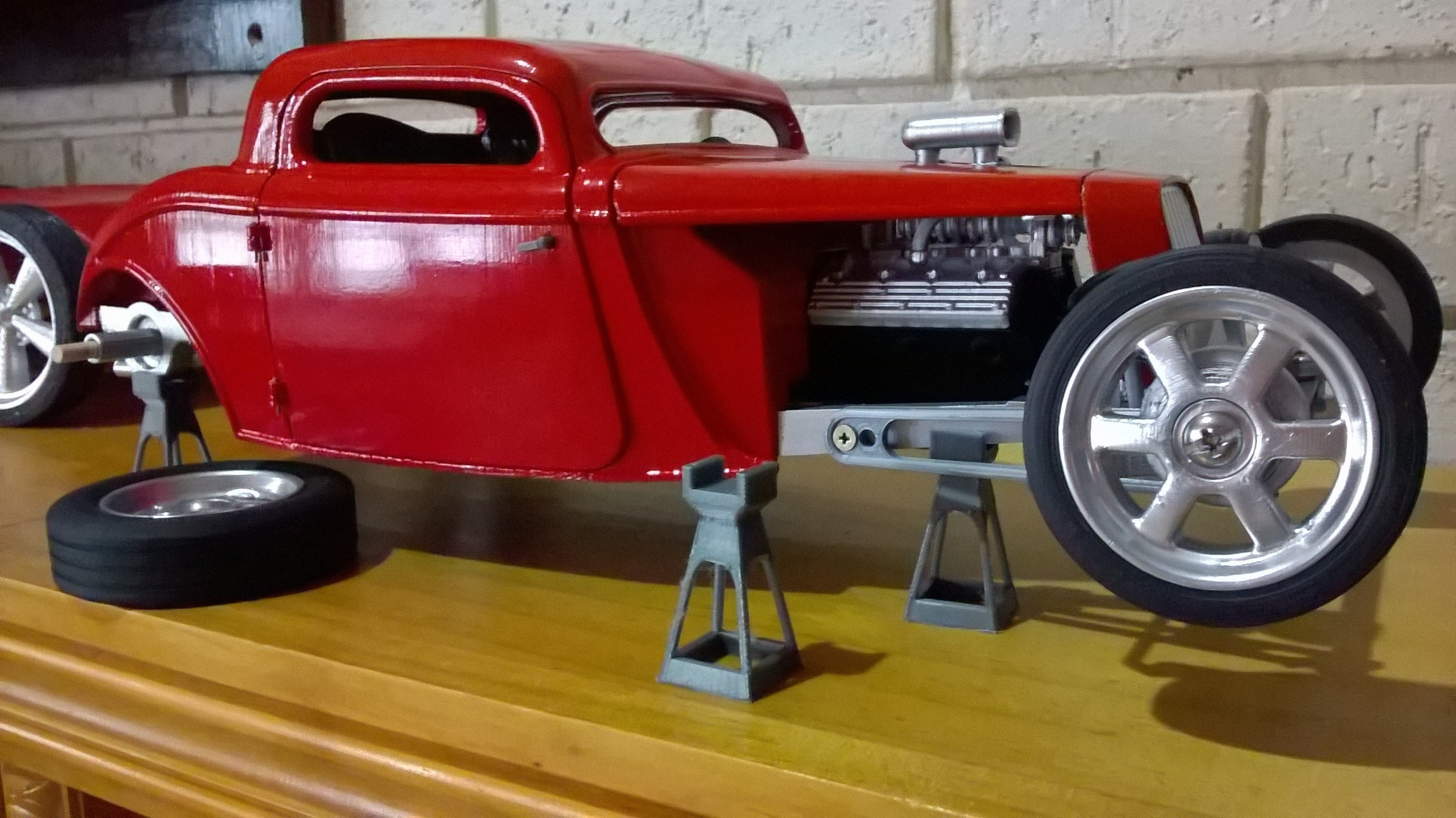WP_20190311_17_27_11_Pro.jpg Download free STL file Model Car stand  • Design to 3D print, macone1