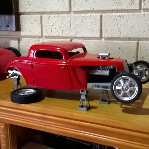 WP_20190311_17_27_43_Pro.jpg Download free STL file Model Car stand  • Design to 3D print, macone1