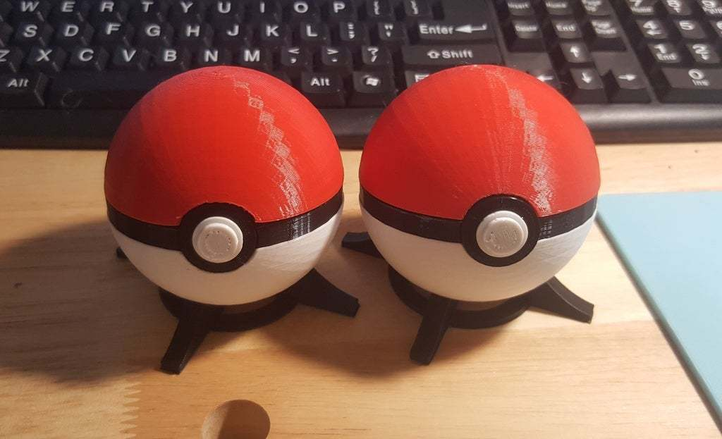 20160421_175844.jpg Download free STL file Pokeball, with magnetic clasp (alternate) • 3D printable object, bLiTzJoN