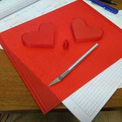 Download free 3D printer model Heart shape pencil case, FlyingCollider