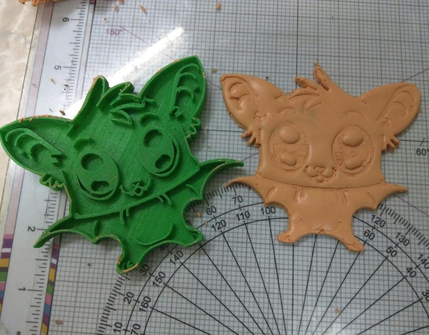 Capture d'écran 2016-12-14 à 16.12.36.png Download free STL file  Detailed Bat Cookie Cutter • 3D printer object, Yuval_Dascalu