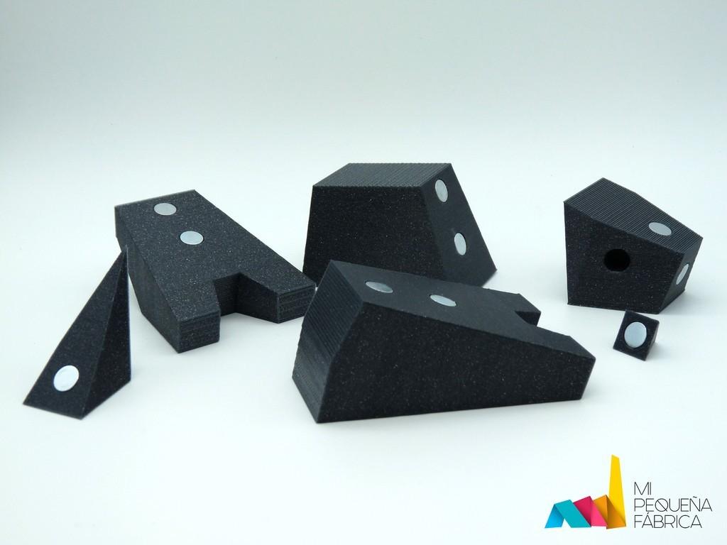 618a41f967267a592c4e9b6f6720efe2_display_large.jpg Download free STL file Rhino Magnetic Toy • 3D print model, AntonioJose81