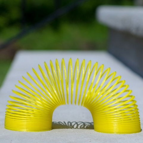 Free 3d printer model  Slinky, Desktop_Makes