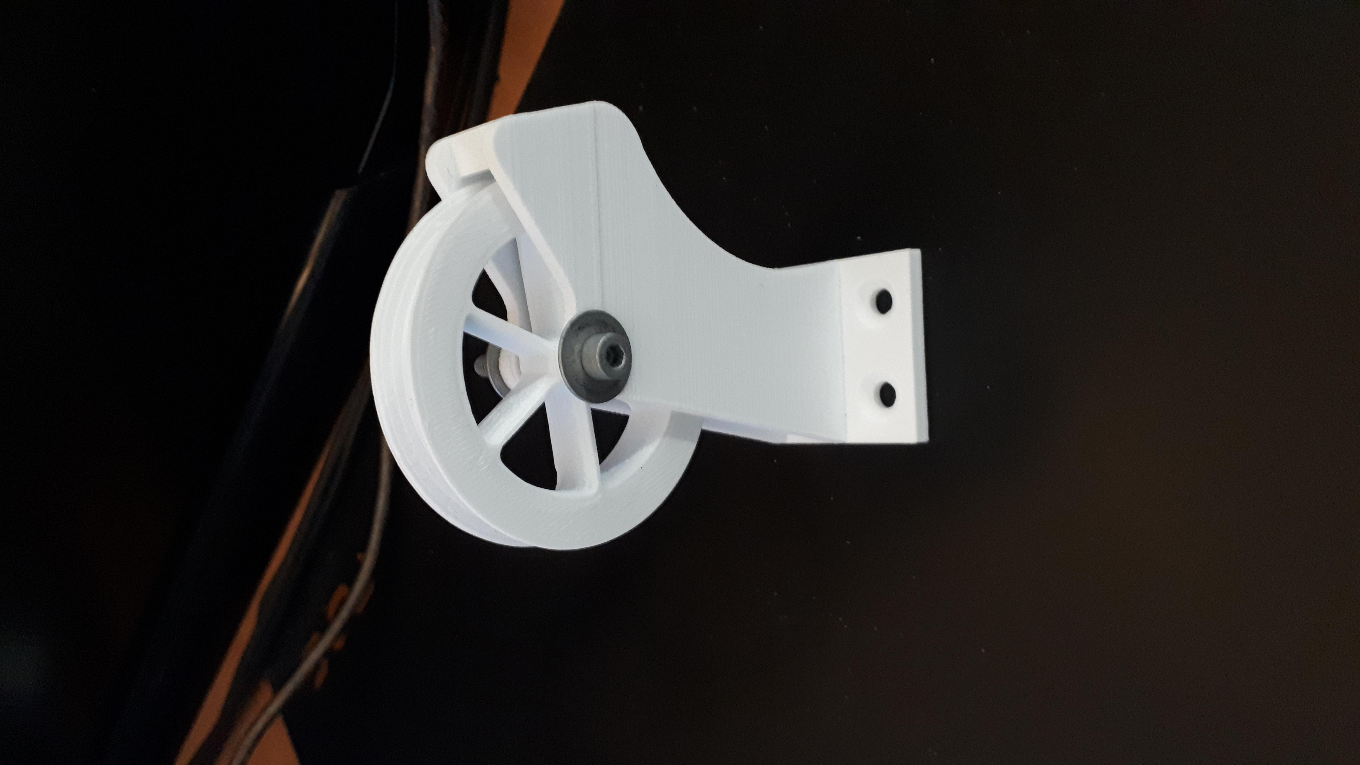 20181001_150257.jpg Télécharger fichier STL gratuit guide filamant avec poulie pour caisson • Objet pour imprimante 3D, Cyborg