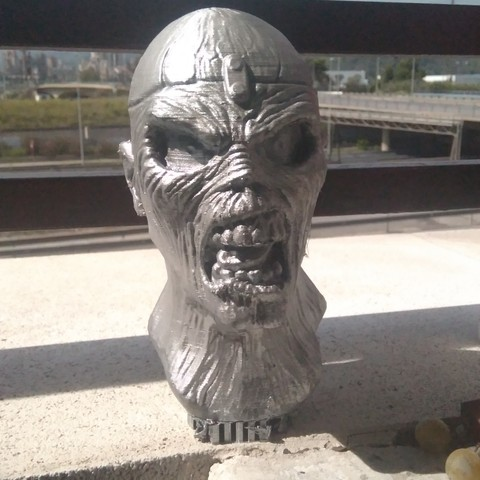 IMG_20180922_131411.jpg Download STL file EDDIE IRON MAIDEN • 3D printable template, GUSTAVO