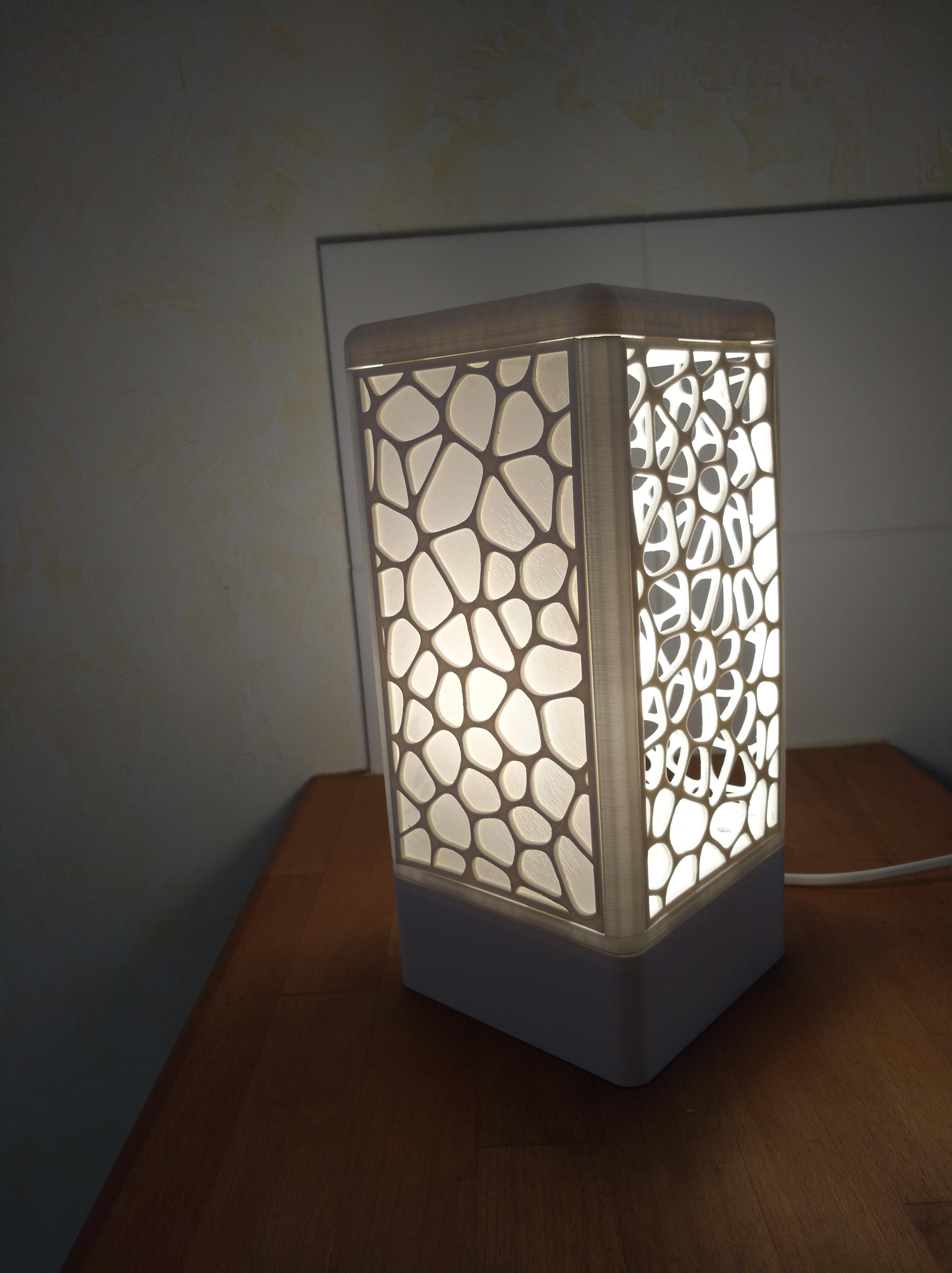 IMG_20180602_154156.jpg Download free STL file Customisable tower lamp • 3D print template, Simdid