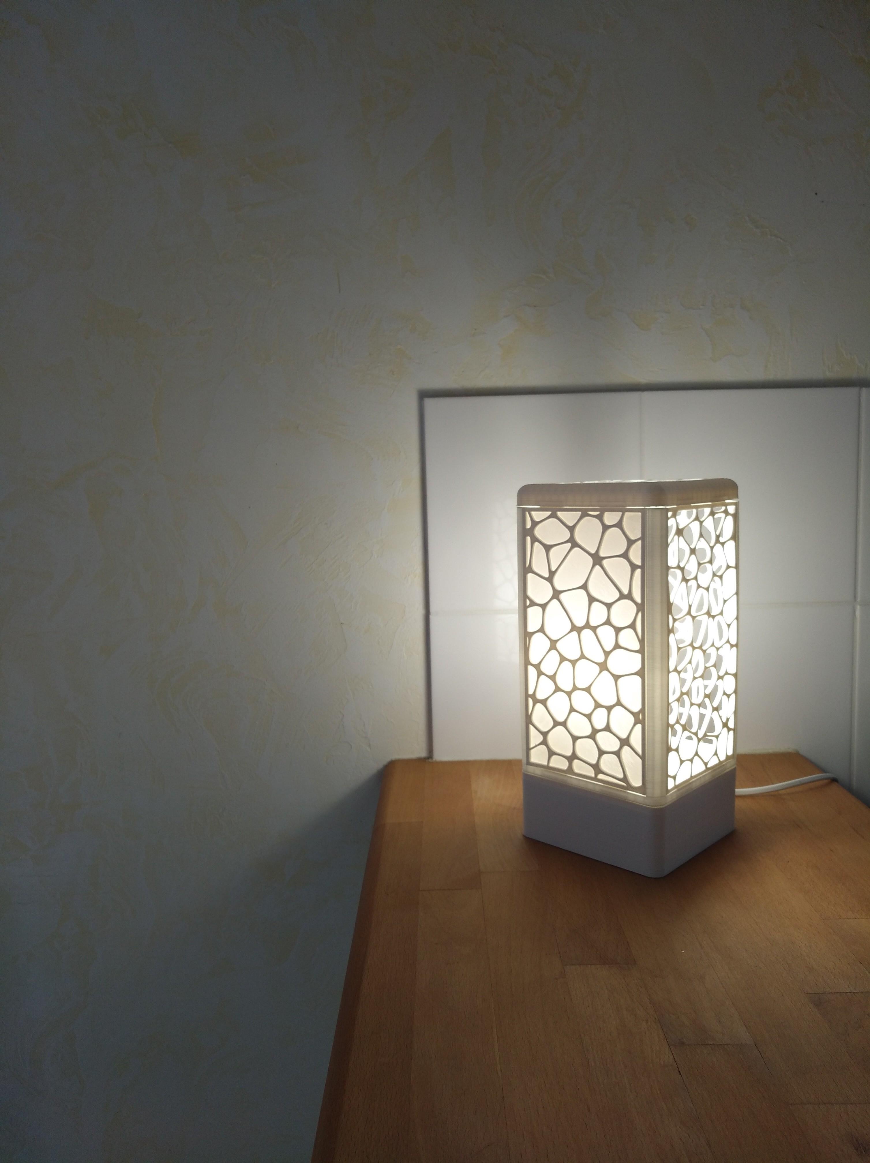 IMG_20180602_154615.jpg Download free STL file Customisable tower lamp • 3D print template, Simdid