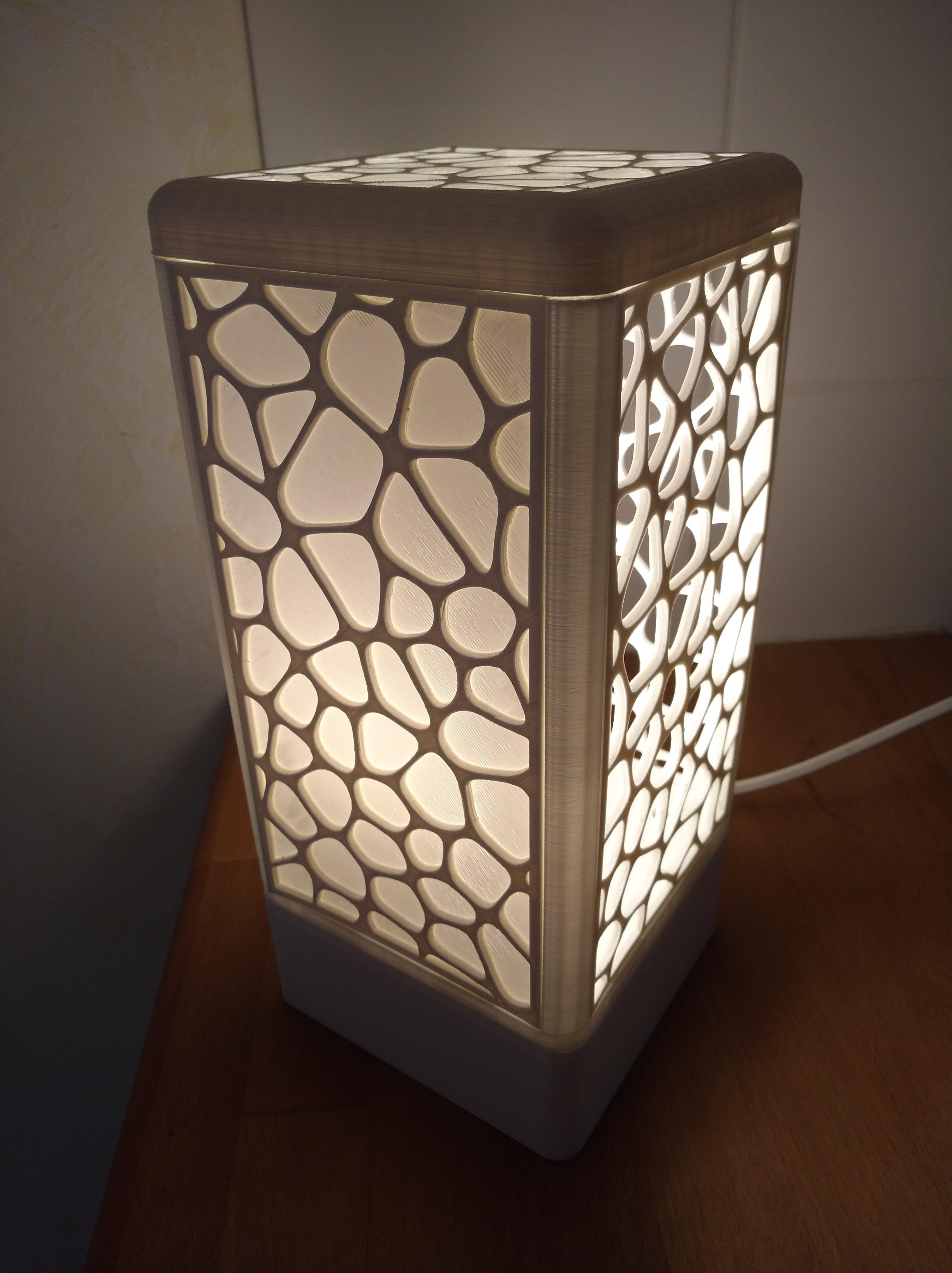 IMG_20180602_154215.jpg Download free STL file Customisable tower lamp • 3D print template, Simdid