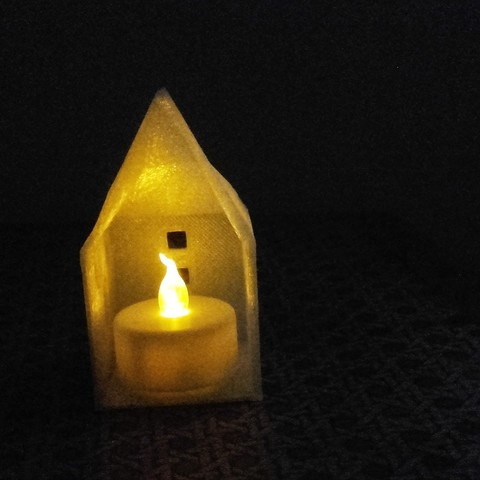 20170608_201802.jpg Download STL file Small illuminated house • 3D printable template, catf3d