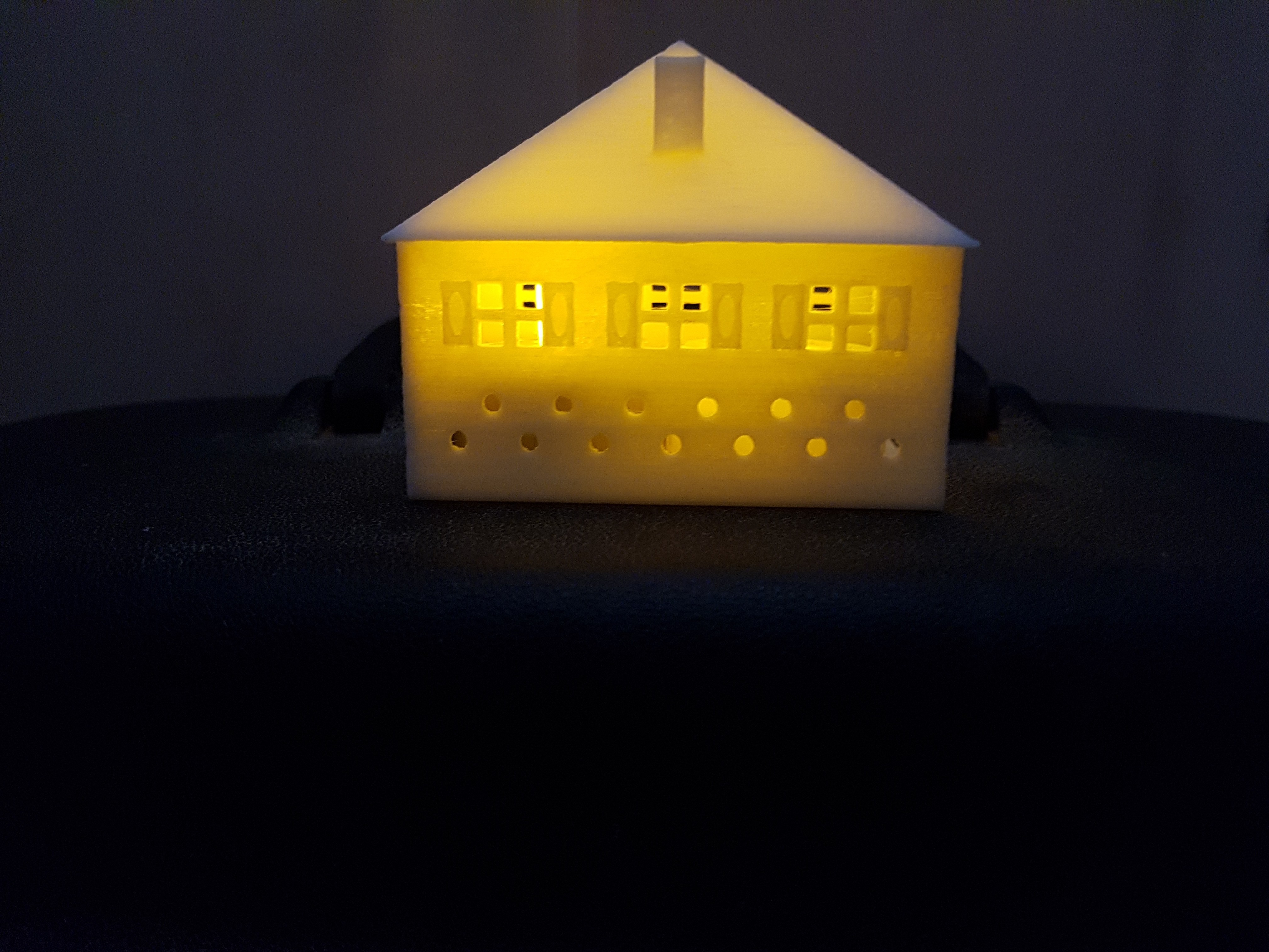 20170804_160340.jpg Download STL file SMALL ILLUMINATED HOUSE • 3D printable template, catf3d