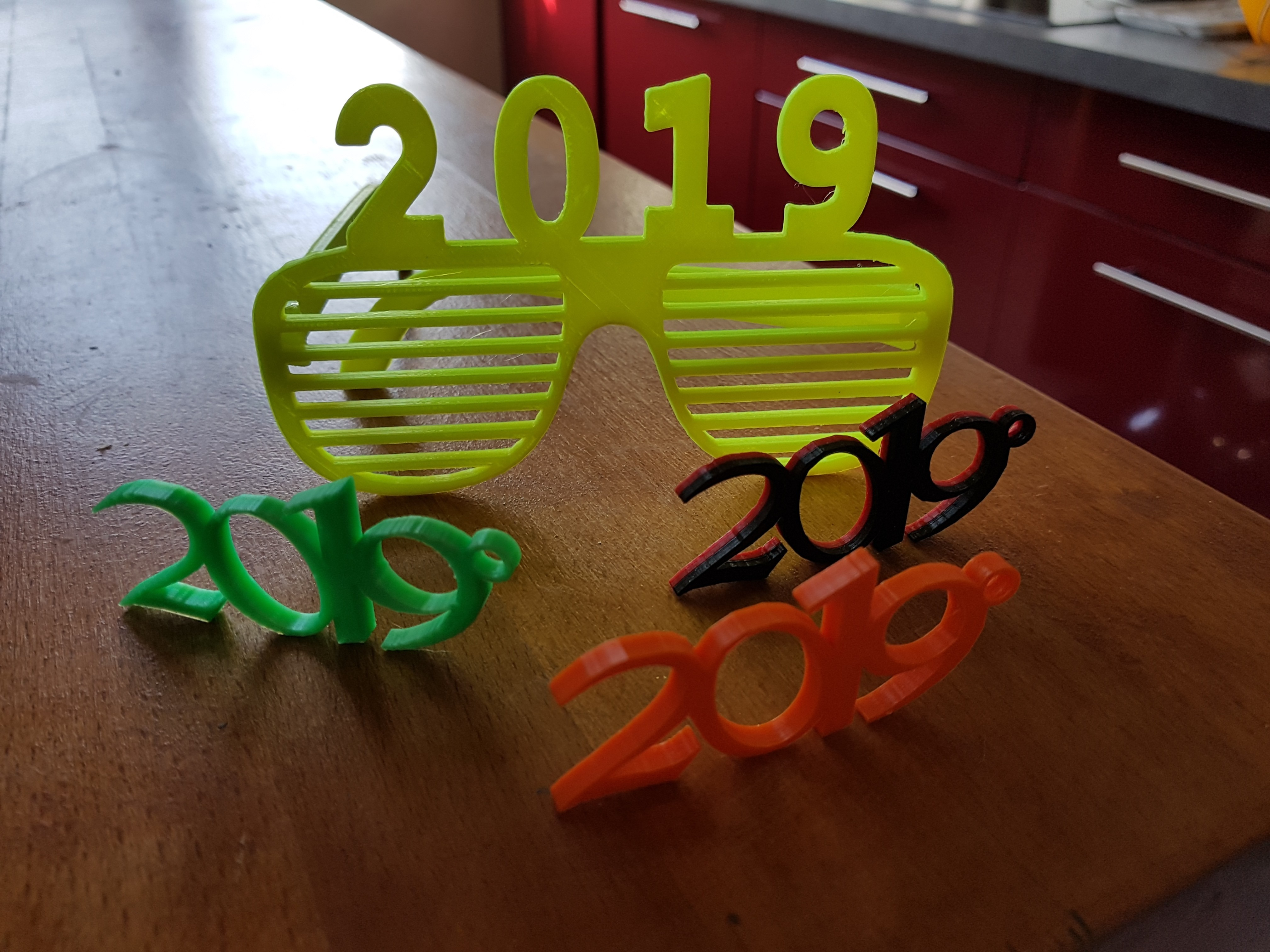 20181211_142531.jpg Download free STL file glasses and key ring 2019 • Template to 3D print, catf3d