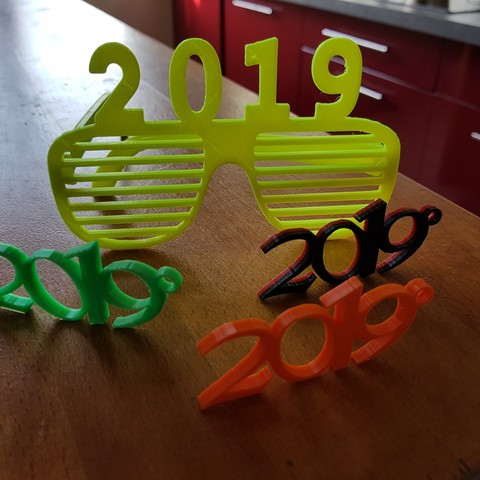 Download free 3D printing files glasses and key ring 2019, catf3d