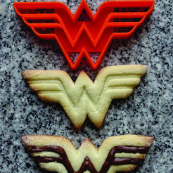 Imprimir en 3D cortante galletita wonder woman, PatricioVazquez